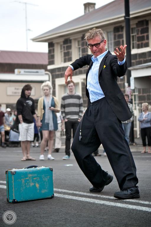 12 03 10 Port Fairy Streetwalk 007- Street performer