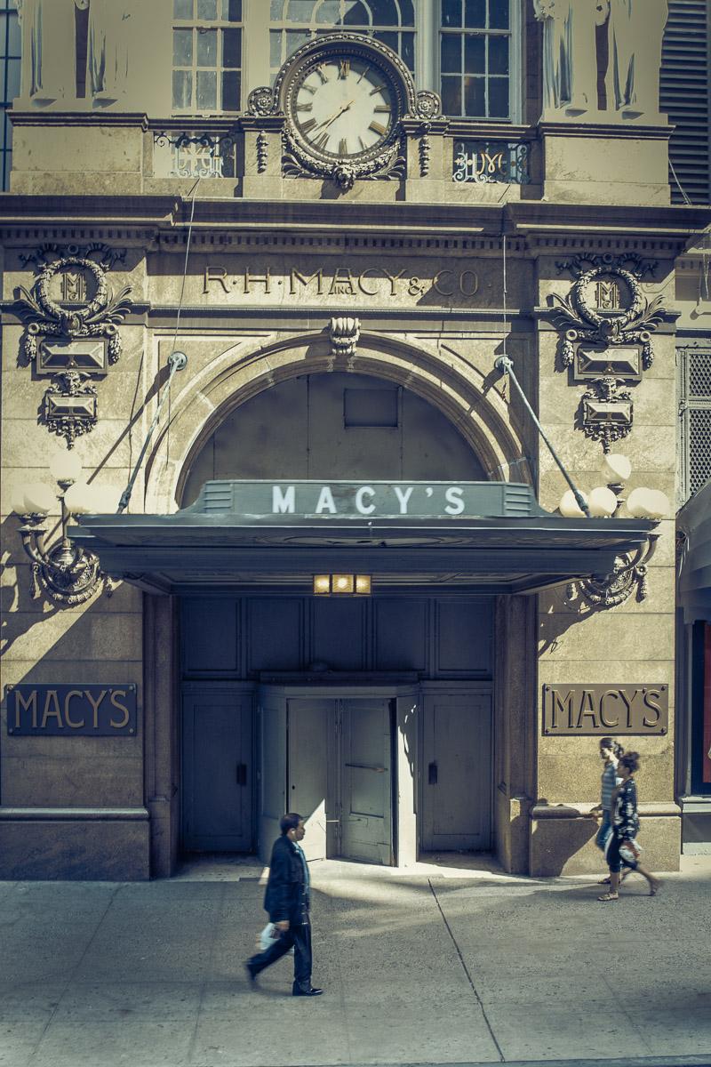 12 10 01 NYC Street scenes-2