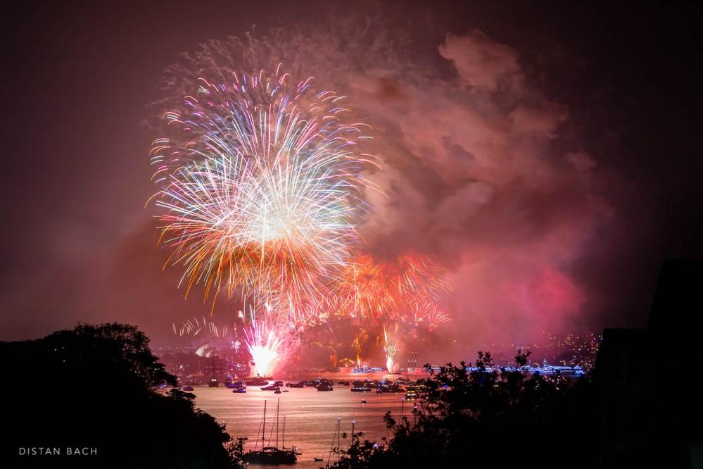 distanbach-2017-sydney-nye-fireworks-3